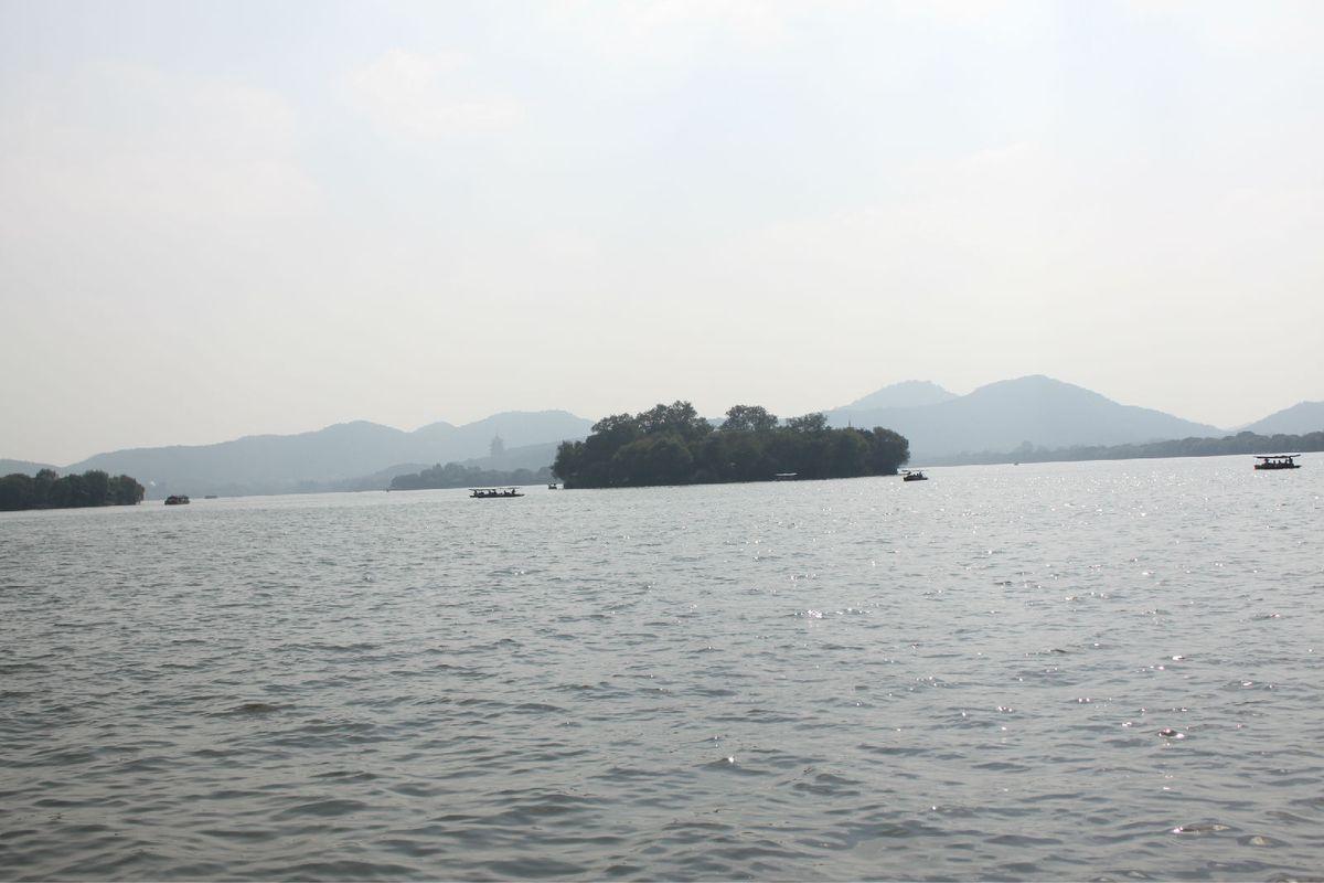 湖心岛图片