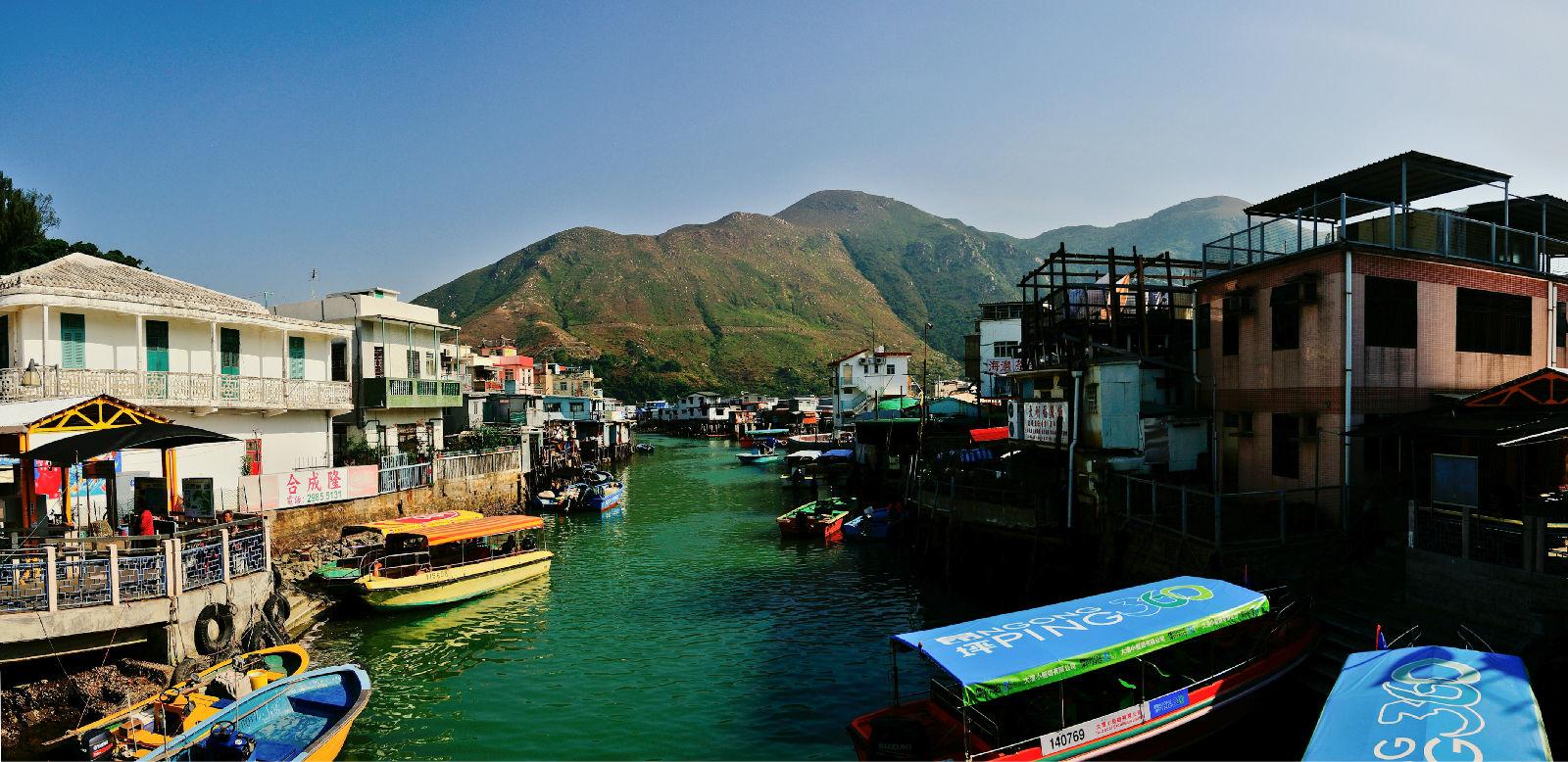 大澳是香港现存最著名的渔村,村落部分位处大澳岛上.