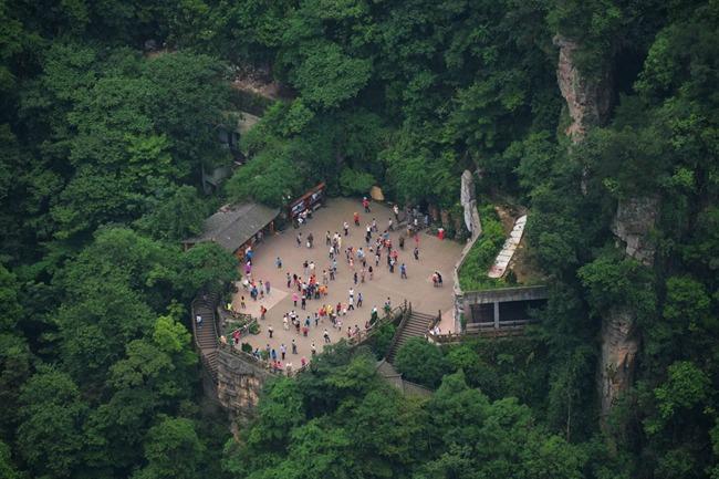 的拱门电梯等一同上榜世界11大创意电梯,成为中国唯一上榜的电梯.