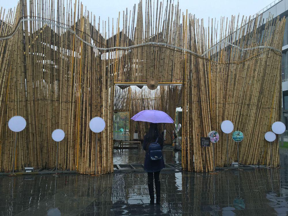 像竹子做的房子图片