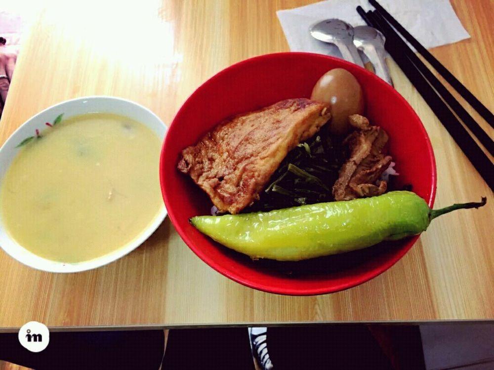青岛早饭,甜沫 把子肉~图片