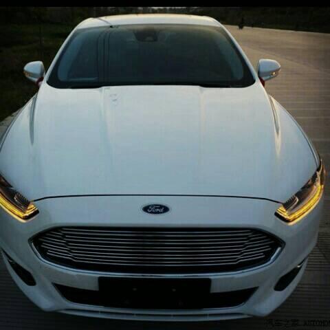 福特新蒙迪欧这款车27万值得买吗?感觉日间行车灯在挺图片