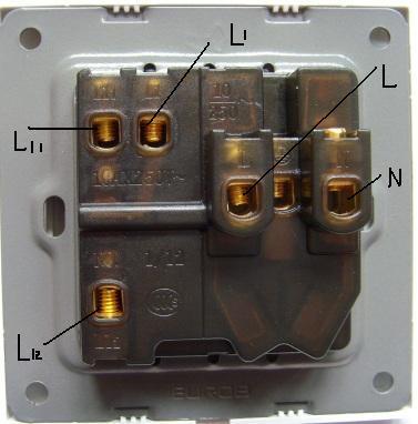 五孔插座接线方法 附图 希望大虾们给我原图上来个接线回复的图