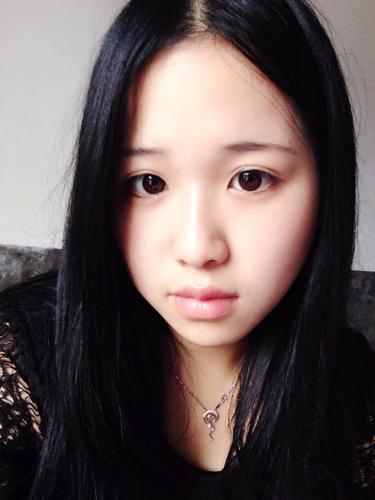 我21岁的女人适合啥发型?我现在是长黑发 直发图片