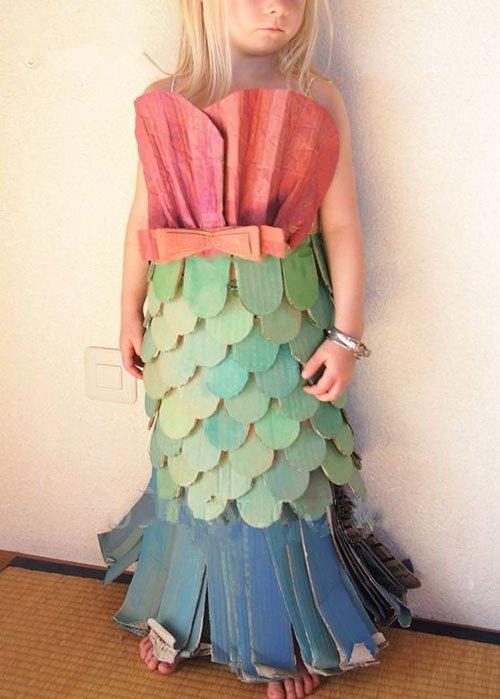 可回收垃圾作为材料的创意环保礼服图片