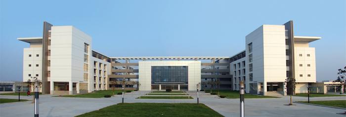 2004年3月,银行被确通过江苏省四星级高中;2009年,高中定为江苏省四星复读在不能能学校考上学校过图片