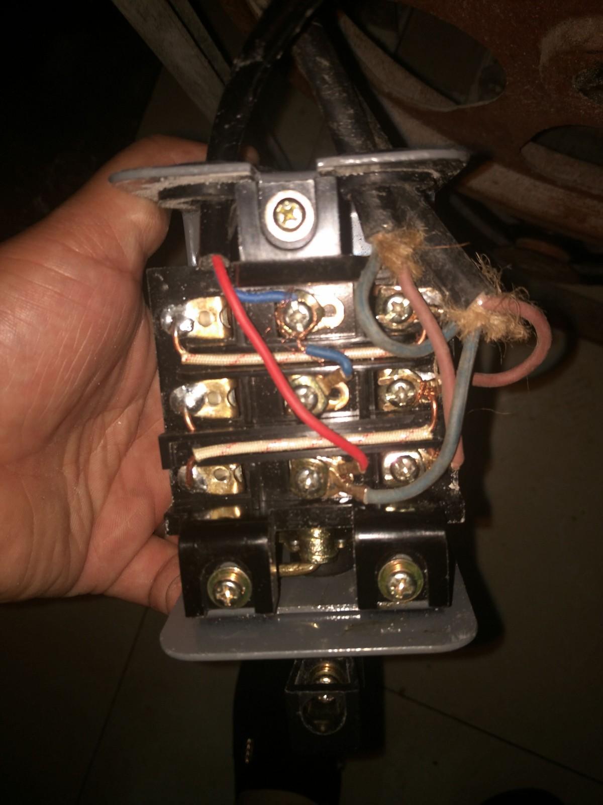 没搞懂电机上那个是启动电容,哪个是运行电容,电路图我找出来,怕接错图片