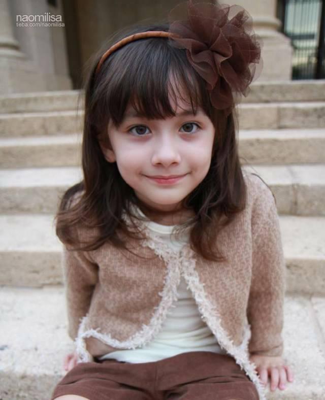 娜奥美丽莎             ) 娜奥美丽莎,一对可爱的美韩混血双胞胎