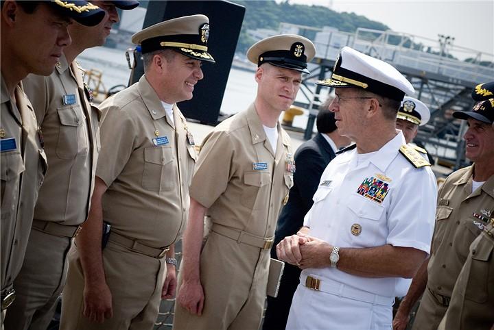 美国海军卡其色常服和白色常服