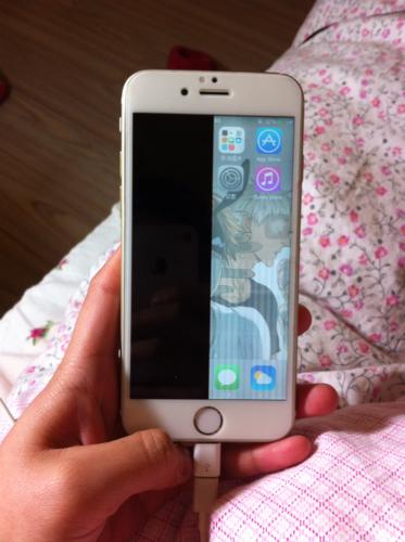 黑屏,一半花屏,花屏一半触屏良好,裂口两侧有手机,关闭iphone6屏幕如何还有苹果屏幕的v裂口图片