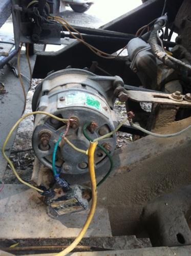 汽车交流发电机,带外接调节气的怎么接线啊,越详细越好