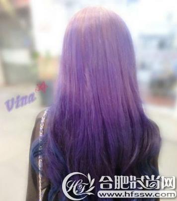 我是一个肤色黑的女孩,想染紫色的头发,但不知道适不适合,,请各位小