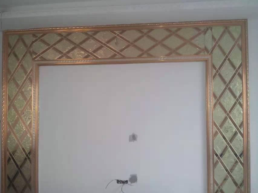 电视墙金色边框,中间陪什么颜色软包好看,我计划是中间陪银色软包