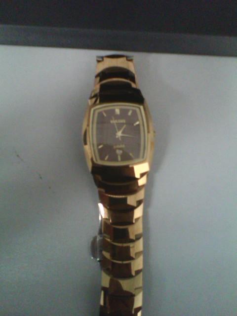 radojubile系列_这个rado jubile系手表值多少钱啊.谁知道啊