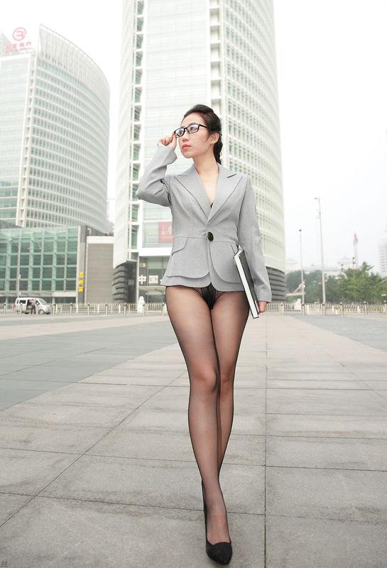 有谁知道这个淘宝丝袜模特的资料吗?跪求!