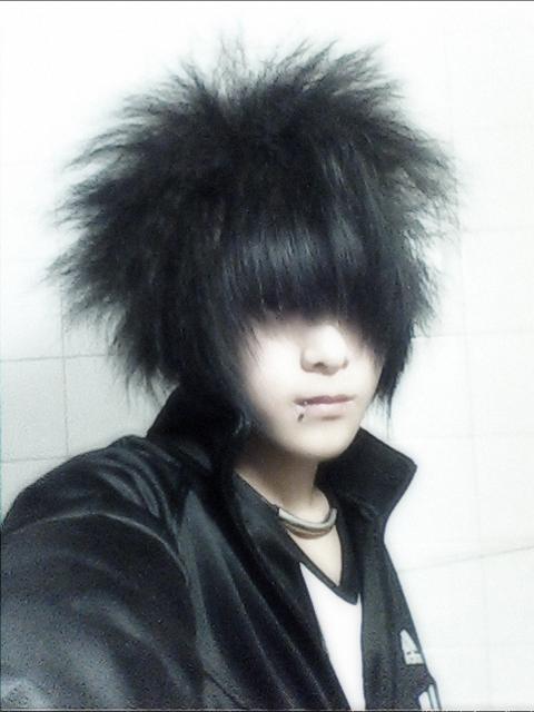 男生脸修长,有点瘦瘦的,下巴有点尖尖的剪什么发型好看.图片