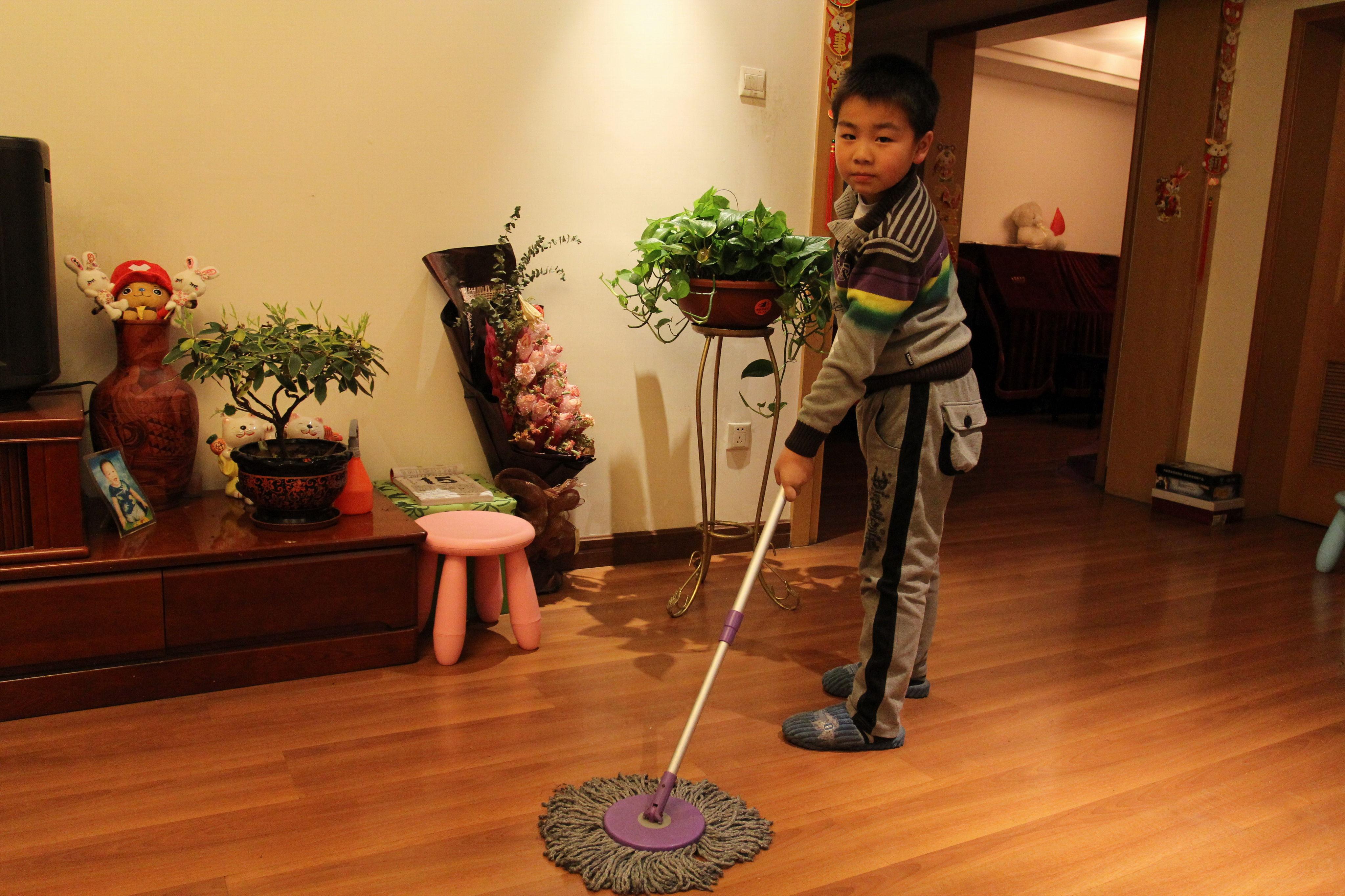 帮父母做家务的图片
