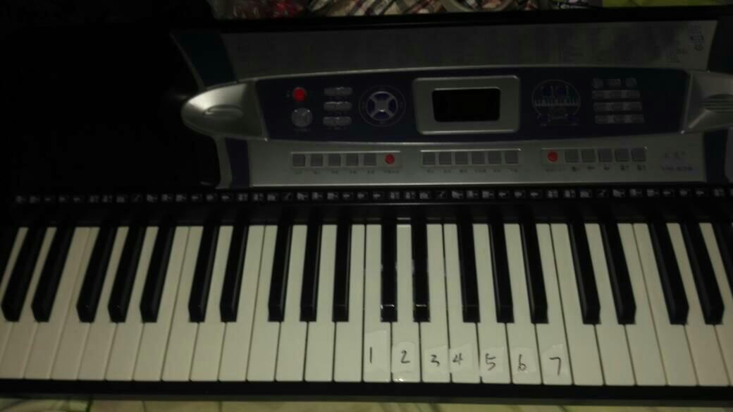 64键的电子琴怎么弹两只老虎1234567按哪个键