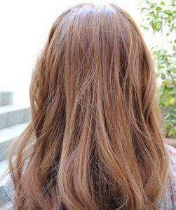 有没有栗子色亚麻色咖啡色头发的照片