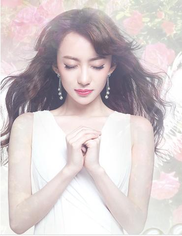 像珍珠美人的模特这样穿白色裙子搭也可以啊!