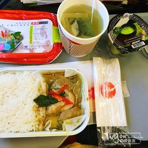 亚航有很多款飞机餐可以媲美那些特色