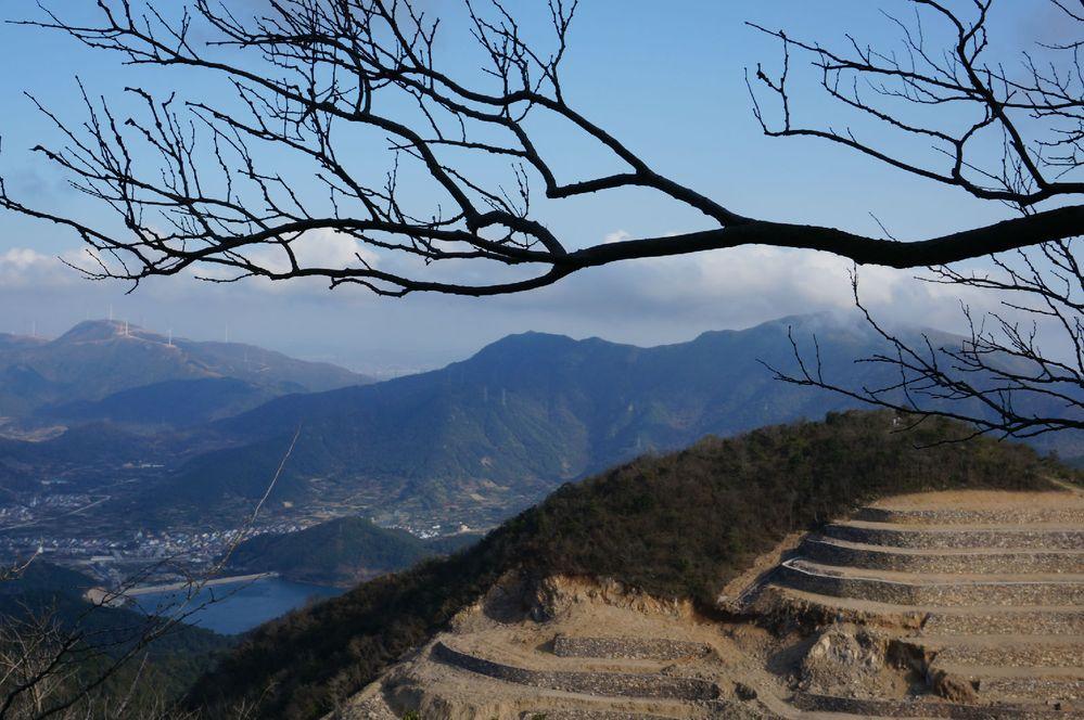 北仑九峰山景区是国家4a级旅游风景区,国家森林公园,宁波市登山基地