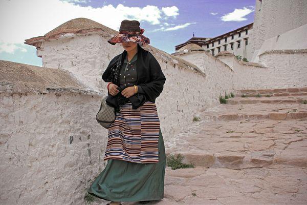 漂亮的藏族姑娘图片