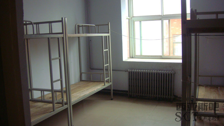郑大西亚斯的宿舍六人间和八人间有什么优劣之分吗