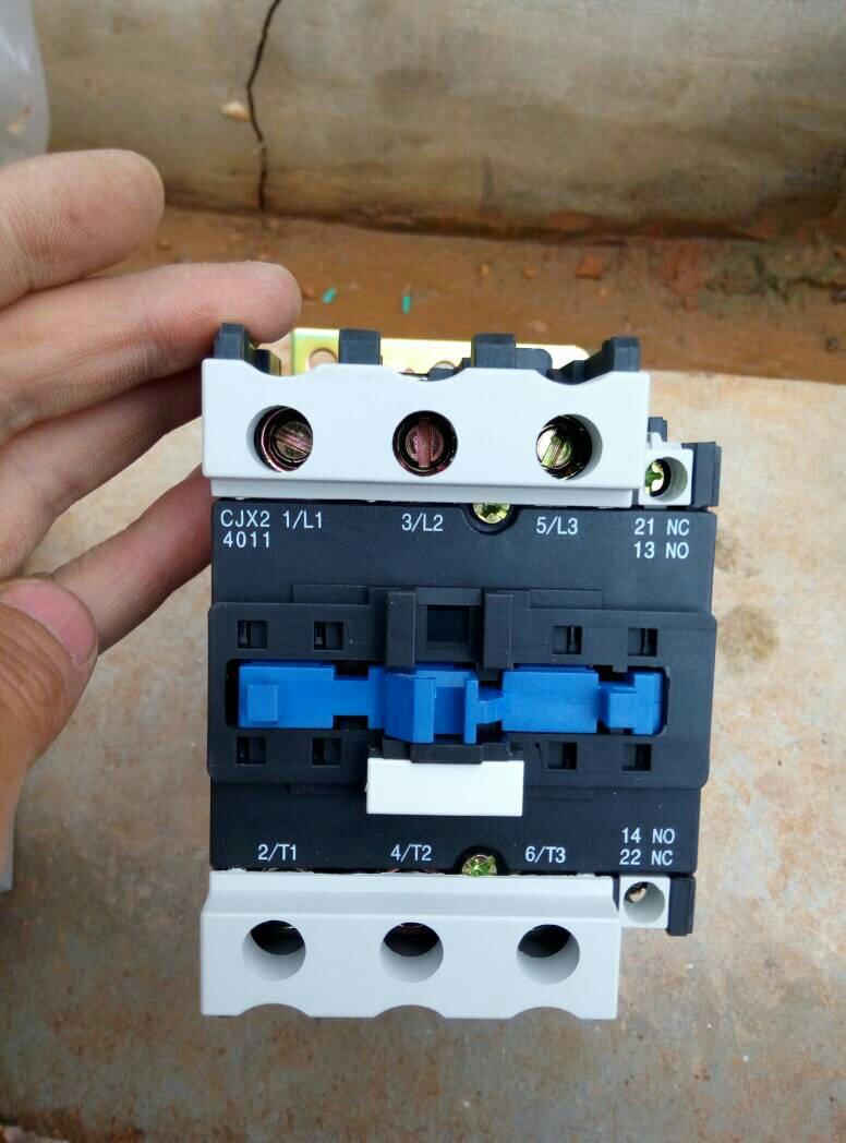 380v继电器和电机保护器连带按钮和自动开关怎么接线
