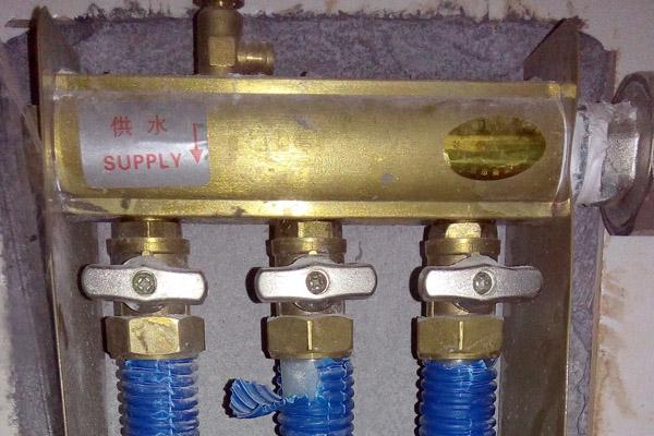 地暖分水器怎么开?我的这个是开还是关啊?图片