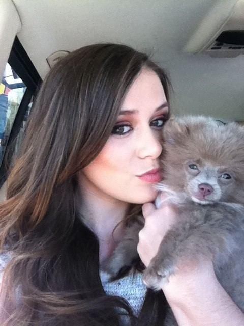 caitlin beadles 经常抱的宠物是什么
