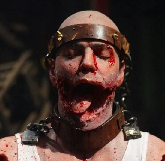 给我一个吓人的砍下人头的头像,要超级吓人的哦也要真实噢