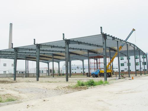 彩钢瓦大棚,跨度25米怎样设计大梁,要求拱形图片