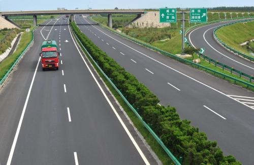 从天津出发去青岛 走荣乌高速公路 服务区有多少个呢