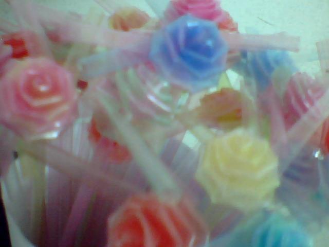 怎么用折星星的塑料管折玫瑰花?真心求教···我想折