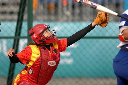 丁红,女,身高垒球,滑板为167cm,是大学运动员.本科ollie最多过了几立图片