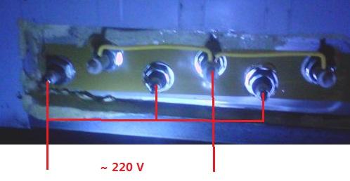 6个接线柱里面是3条电阻丝,你看蒸饭车的说明书,把3条电阻丝的头,尾