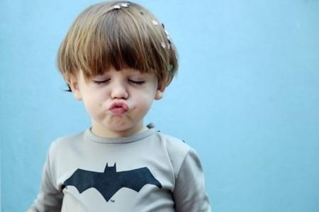 求跟这个小孩的情侣头像,是个嘟嘟嘴的小男孩
