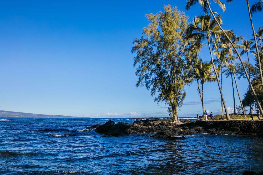 夏威夷大岛黑沙滩风光图片