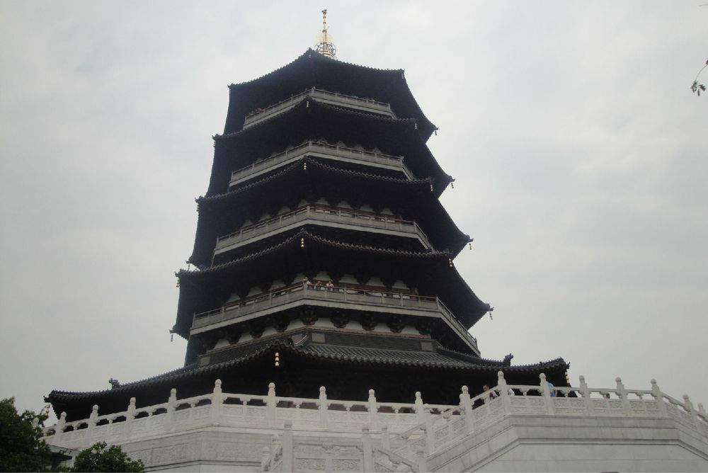 杭州西湖雷峰塔图片