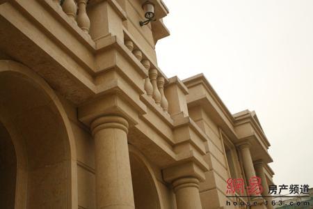 请问一下法式风格的建筑挑檐造型是怎么做的?图片