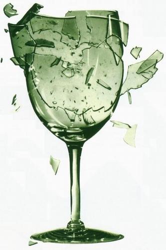 征集破碎的玻璃杯图片做qq头像?图片