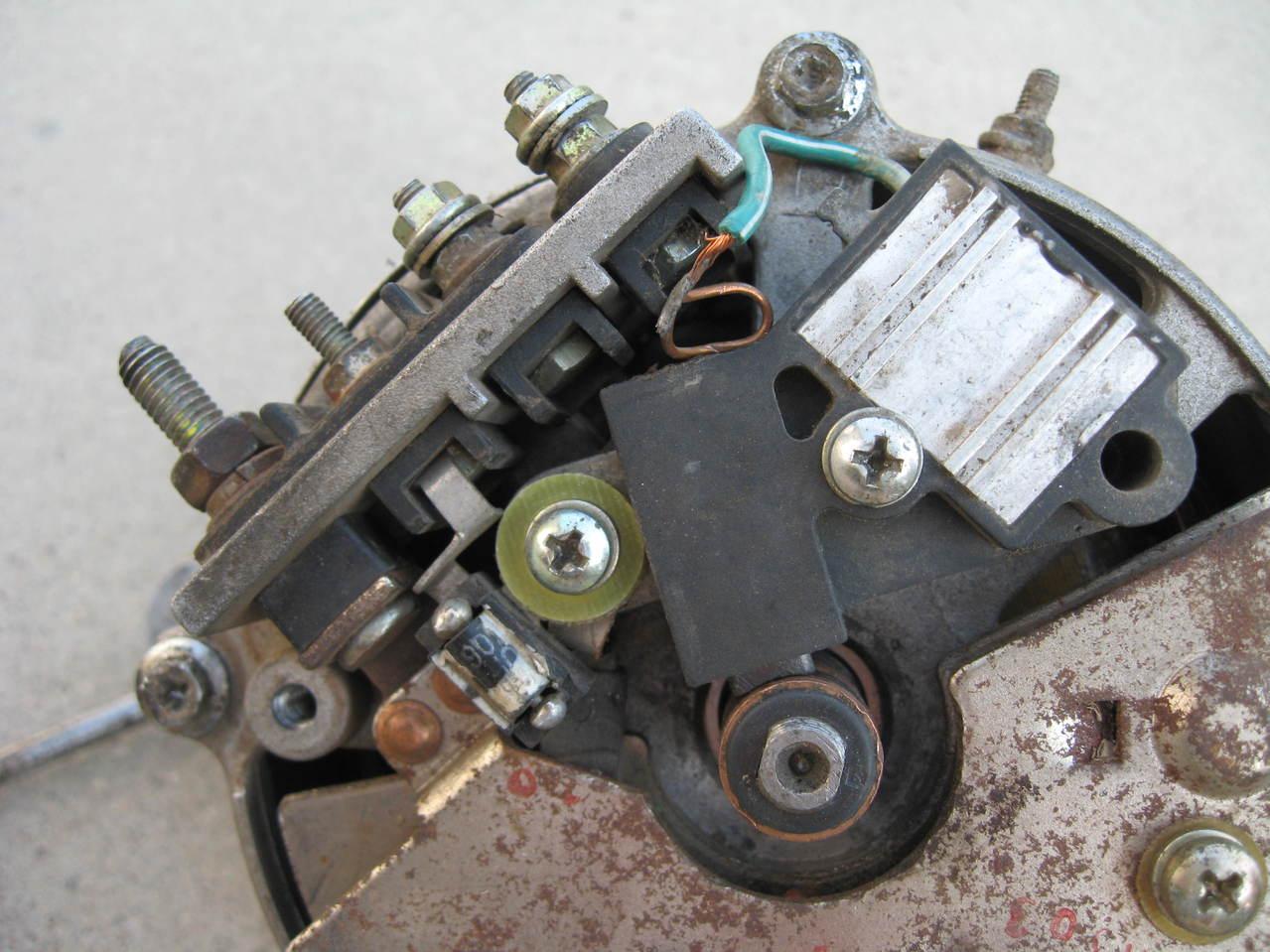 求汽车发电机电子调节器电路图