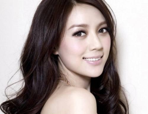 中国内地二十五岁以下的女明星有哪些?