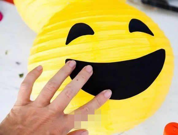 幼儿园手工如何制作笑脸,简单又好玩?
