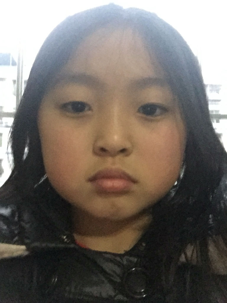 请问九岁的小女孩图片扎发型短发_百度知道弹图片钢琴卡通图片