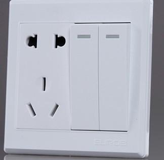 两开两插开关怎么接线 开关插座独立 两个开关分别控制两盏灯 求详细