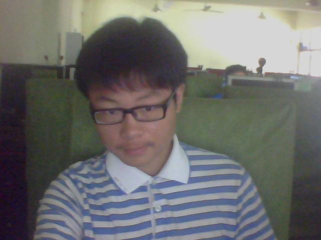 男生宽额头较长脸适合什么发型图片