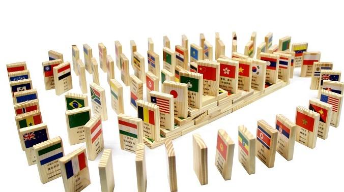 地铁玩具积木智力智力玩具带充气娃娃过积木图片