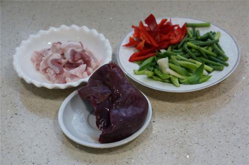 猪肝放在冰箱v猪肝调味料具体有哪些图片